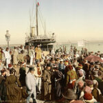 512px-Arrival_of_a_steamer,_Algiers,_Algeria,_ca._1899