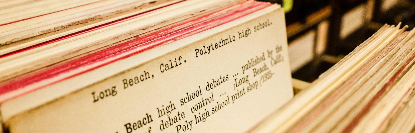 Catalogue, chercher le littéraire, du papier au numérique