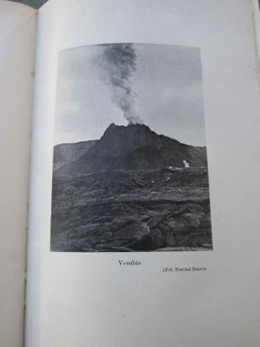 Fotografía del Vesubio recogida en el libro