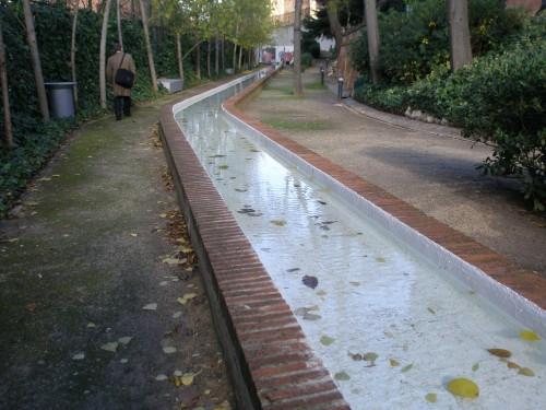 El canalillo de la Residencia de Estudiantes bajo la luz primaveral de Madrid