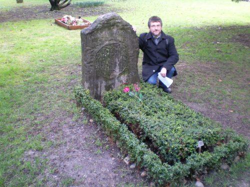 La tumba de borges en Ginebra, donde figura la conmovedora inscripción
