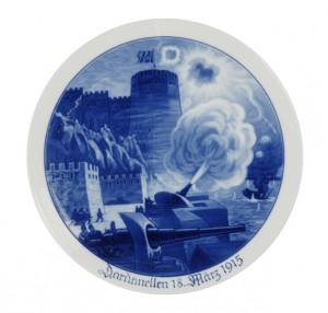 Assiette allemande : Dardanelles 18 mars 1915, coll. Historial de la Grande Guerre, photo Yazid Medmoun