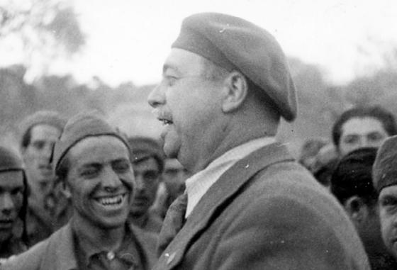 André Marty et des volontaires des Brigades Internationales - photo CHS