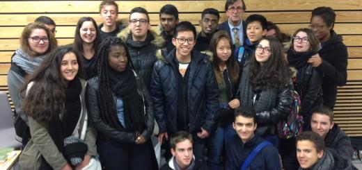 B. Latour avec les élèves de 1ère du Lycée du Bourget