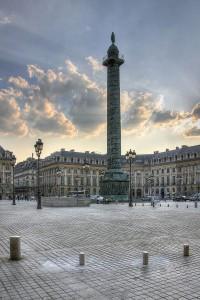 Die Napoleonsäule auf der Place Vendôme im Pariser ersten Arrondissement