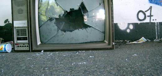 http://samgoesdown.deviantart.com/art/Broken-Television-76685103