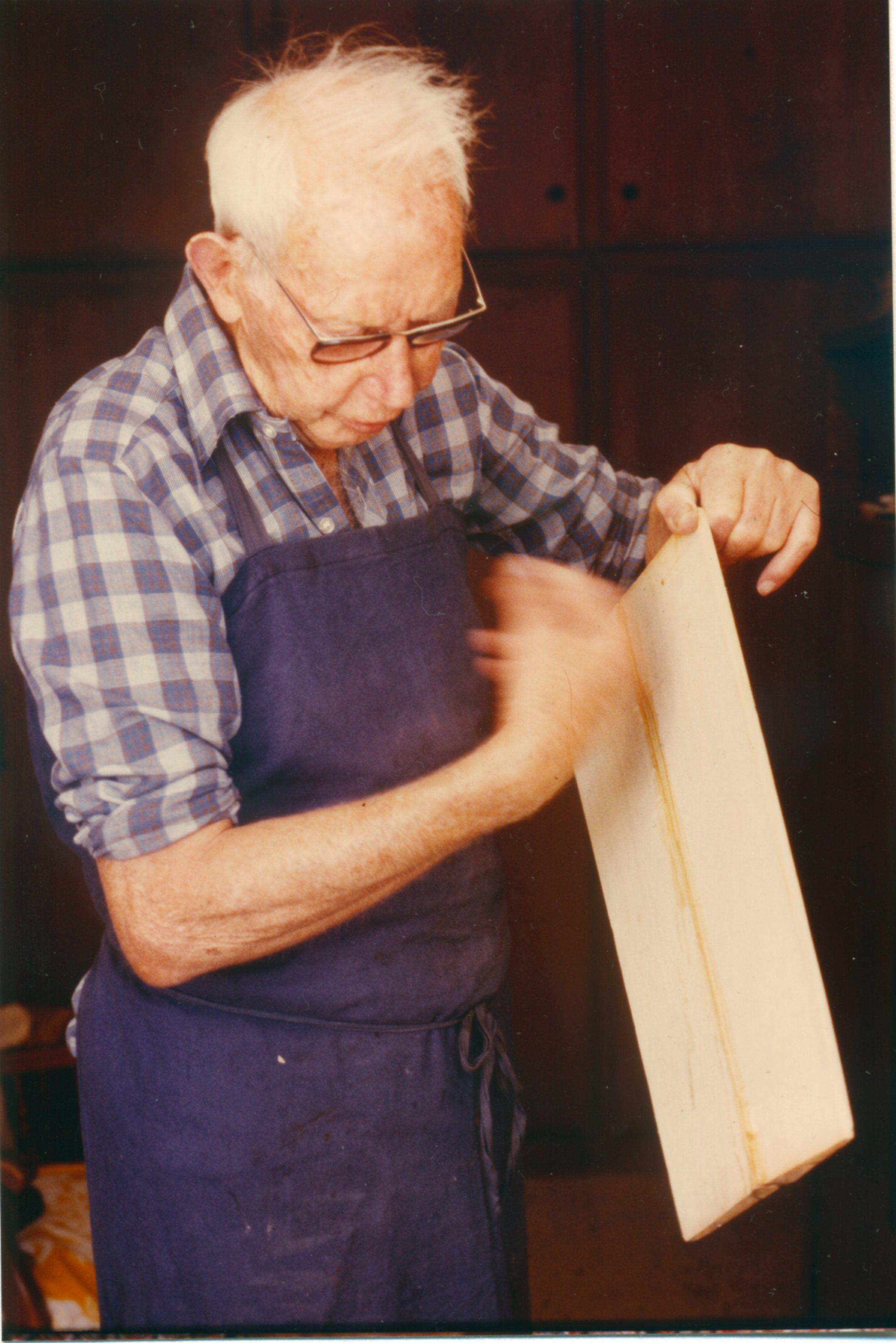 Kauffer Bois De Lutherie - Un luthier explique comment est choisi le bois pour la fabrication du violon Les carnets de la