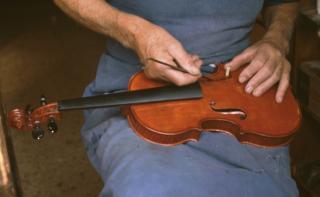 Retour aux sources : le métier de luthier