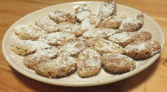 Petits gâteaux grecs de Noël : les kourabiedes