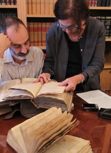 Le catalogage des manuscrits s'effectue en étroite collaboration