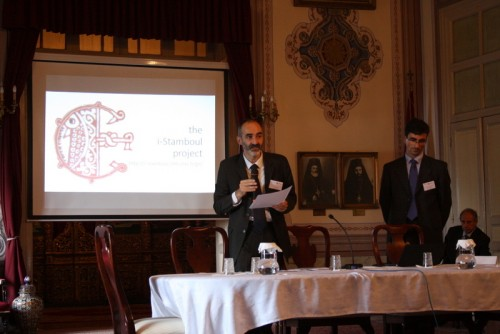 A. Binggeli et M. Cassin présentent l'introduction du colloque
