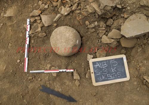 Projectile en granite (© Projet Albalat, 2015).