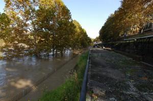Fig. 7 - Piena 2012. Vista della banchina e di alcuni ambienti poco prima di essere sommersa dall'acqua