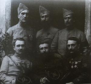Les frères Saint-Pierre en 1919 (fonds Dominique Saint-Pierre, p. 405 du dictionnaire)