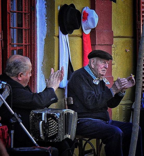 554px-Tango_Maestro,_Argentina_(7126219169)