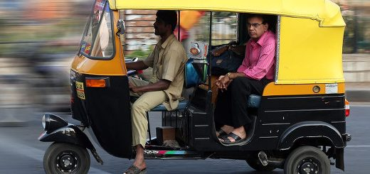 1280px-Autorickshaw_Bangalore