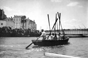Les premiers pêcheurs-rameurs de Martigues, photographie du site www.les rameursvenitiens.com