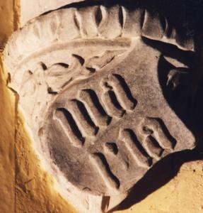 Die Abbildung des Maria-Wappens in Helmstedt.