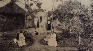 3. Les Pères de la léproserie dans leur petit village / Fathers of the leprosarium in their small village