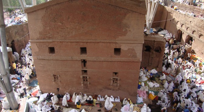 Lalibela : Des églises à la petite ville mondiale / From churches to the global small town