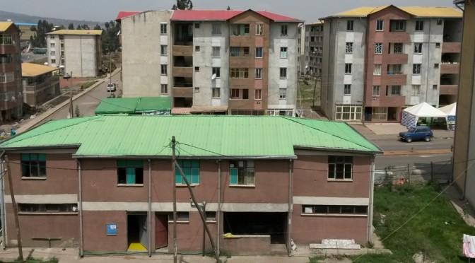 Reconstruire et réinventer la ville depuis les condominiums (in French)