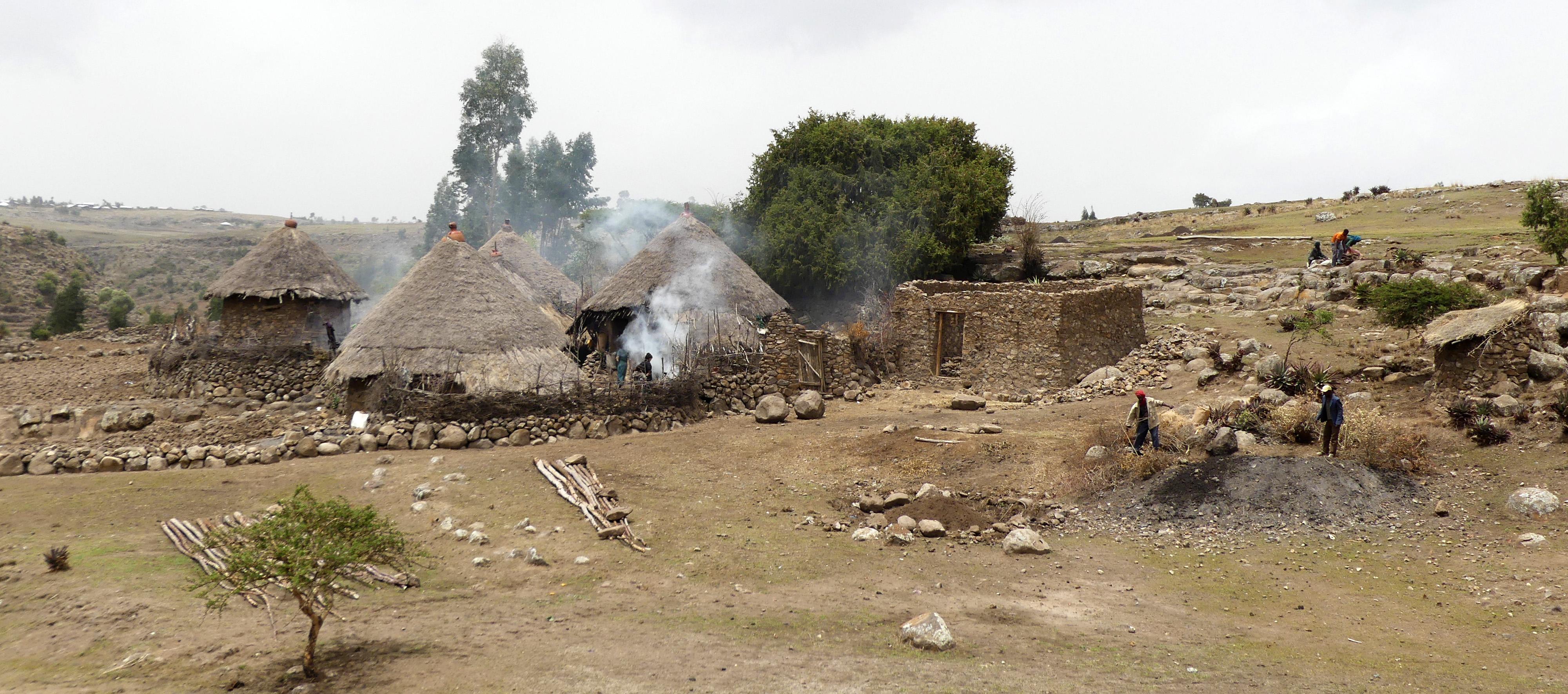 Ceramic Traditions in Central and Southern Ethiopia   UN ŒIL SUR LA
