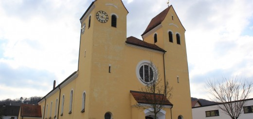 Hl.-Kreuz, Nordostansicht_Foto_Kühnl_KTI