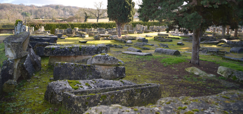 Carrières et sarcophages