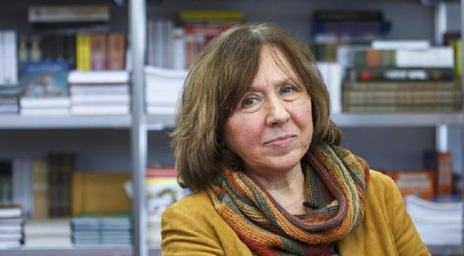 Svetlana Alexievich: 'Không yêu Stalin, Putin' [BBC]