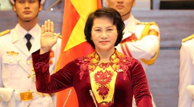 Nguyên Thi Kim Ngân élue présidente de l'Assemblée nationale [Le Courrier du Vietnam]