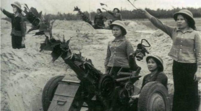 Elizabeth D. Herman : The Women Who Fought for Hanoi