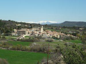 Village de Sigonce, depuis Chantebelle. Sébastien Thébault CC BY SA.