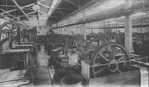 Michelin. Atelier de déchiquetage. (Archives départementales du Puy-de-Dôme, 12 FI 116)