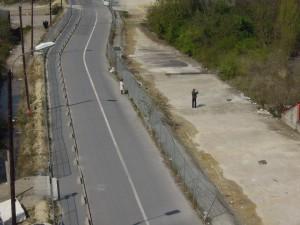 Entre deux clôtures
