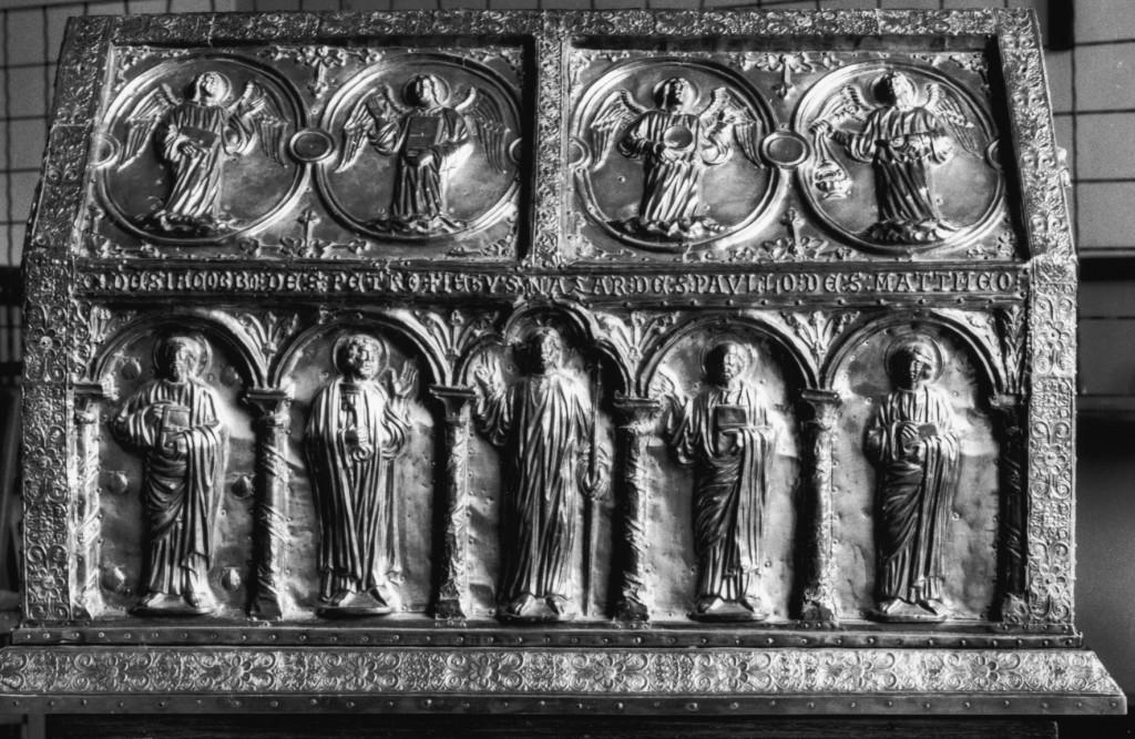 Verneuil-sur-Avre, abbaye Saint-Nicolas. Châsse de saint Avit (première moitié XIIIe s.).