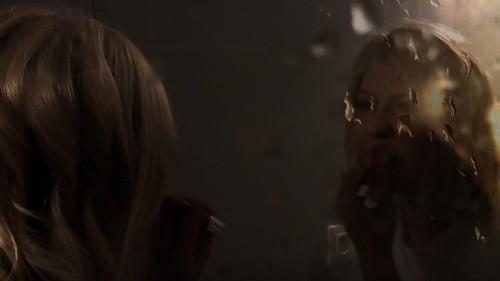 Margot se maquille