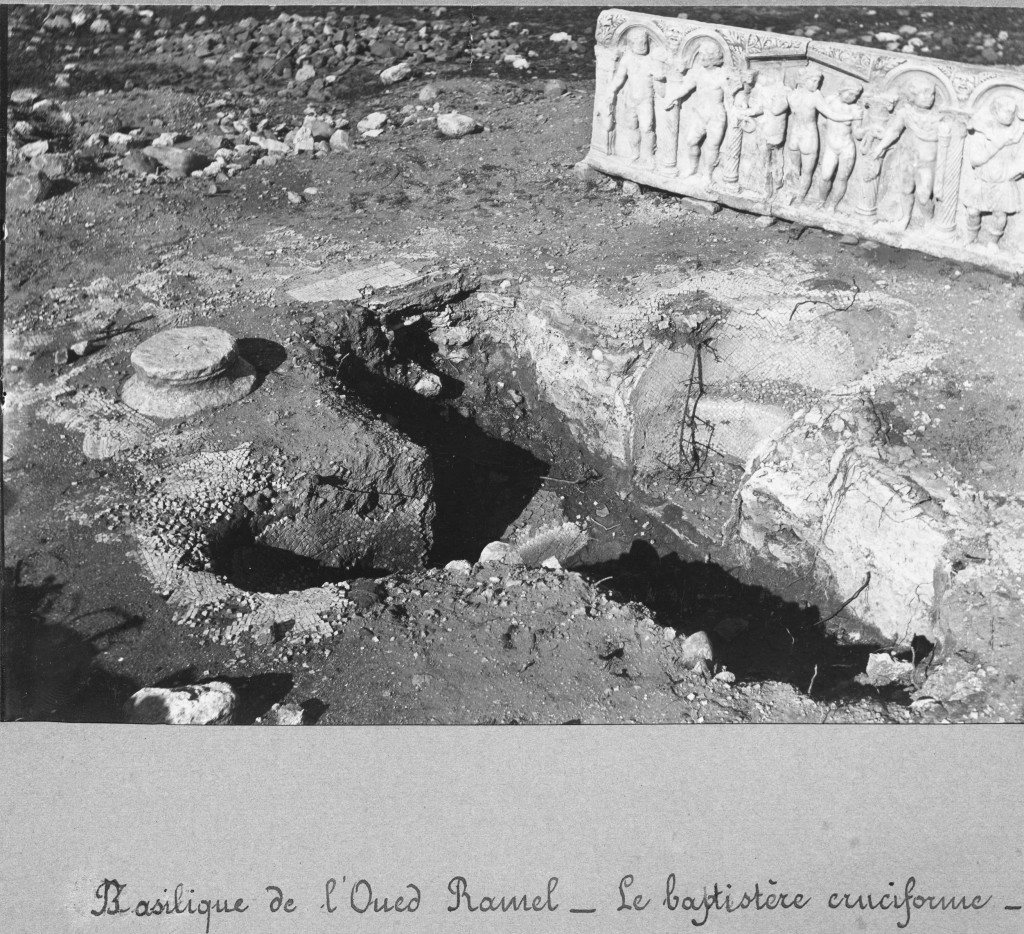 106, 099, 03, 12. Oued Ramel (Sainte-Marie-du-Zit) : baptistère et sarcophage des Trois Grâces