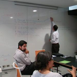 Pensando el Estado. Universidad Diego Portales, Santiago de Chile, 2011. De izquierda a derecha: Alejandro Rabinovich, Pilar López Bejarano y Juan Pro.