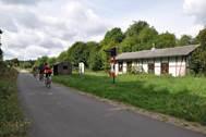 Eine Radtour führt die Teilnehmerinnen und Teilnehmer entlang der ehemaligen Vennbahnstrecke. Foto: LVR-Fachbereich Umwelt / Anne Stollenwerk