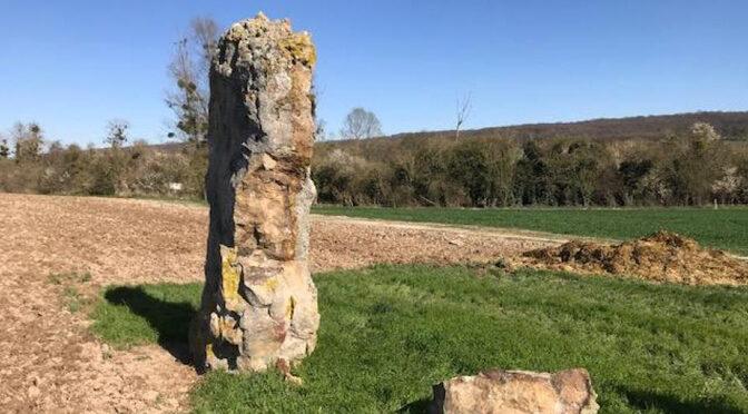 Un menhir classé monument historique endommagé à Congy