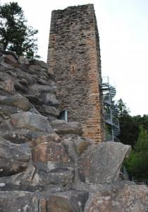 Die hoch über dem Murgtal gelegene Burgruine Wieladingen, Foto: Stadtarchiv Wehr