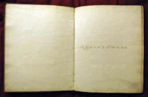 """ill.2: titre tamoul sur la page 5 du manuscrit """"BIULO MS.IND.4"""" (photo: E. Francis)"""