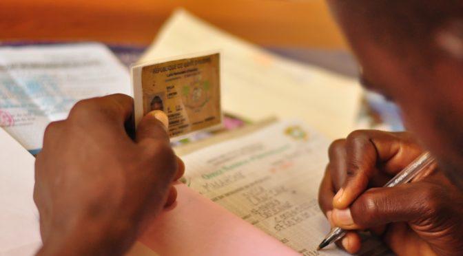 Podcast :  «L'identification des personnes en Afrique entre surveillance et reconnaissance : Biomaîtriser les identités»