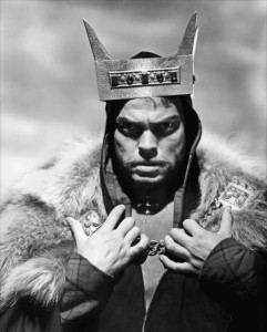 Orson Welles dans Macbeth, en 1948 (source : doctormacro.com)