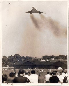 Concorde vintage : décollage du premier avion de ligne supersonique au Farnborough Air Show 1970 (source : flightglobal.com)