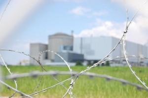 Centrale nucléaire du Blayais (crédits : Pierre-Alain Dorange, 2011, via Flickr)