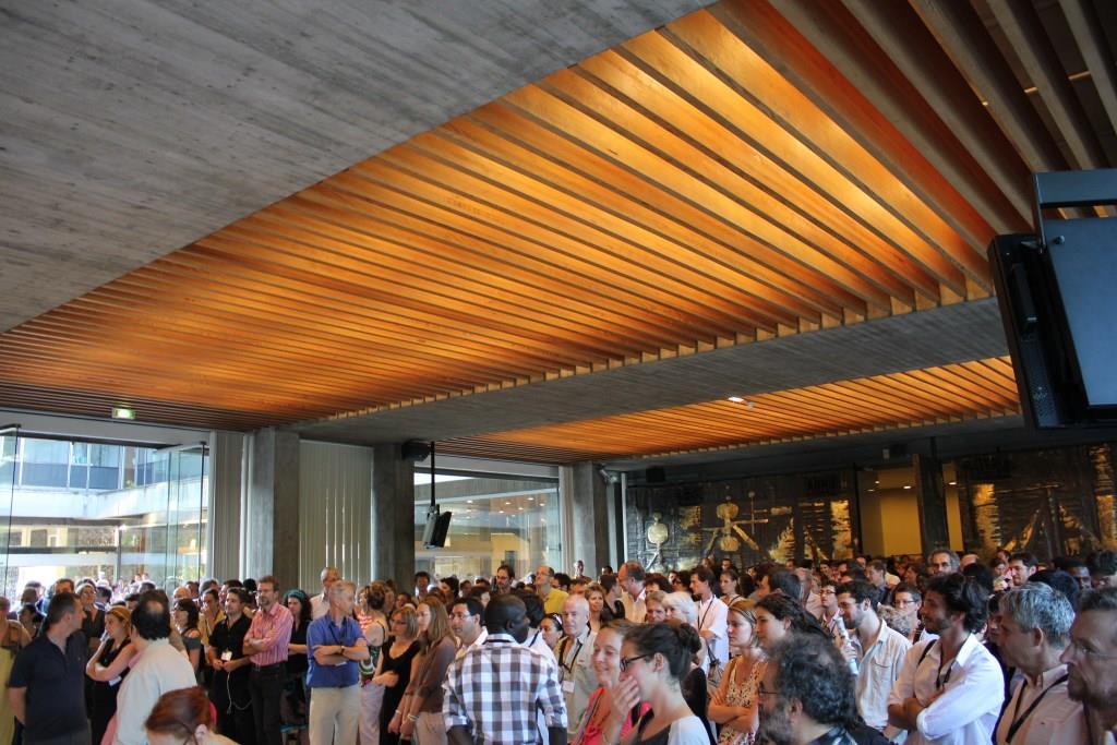 Ambiance cocktail à la mairie : remise d'une médaille à Andrew Abbott, congrès de l'Association française de sociologie, Grenoble, 2011 (Crédits : Arnaud Saint-Martin)