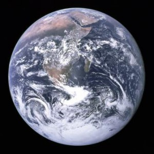 Vue de la Terre par l'équipage d'Apollo 17 en 1972 (crédits : NASA, via Wikipedia)