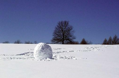 Boule de neige (crédits : redjar, 2001, via Flickr)