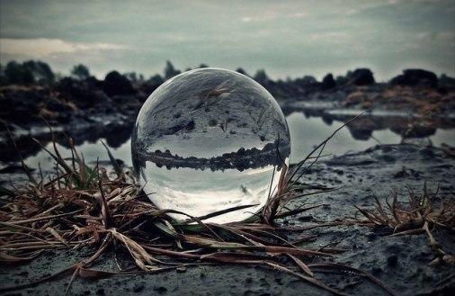 Boule de cristal (crédits : Mo, 2013, via Flickr)